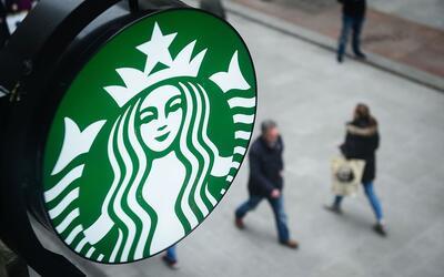 """El presidente de Starbucks propone soluciones en un momento """"sin pr..."""