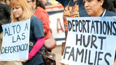El servicio de inmigración confirma que comparte información con ICE para ubicar a inmigrantes y deportarlos