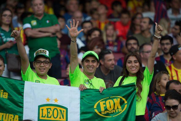 No faltaron los fanáticos del campeón del balompié mexicano.