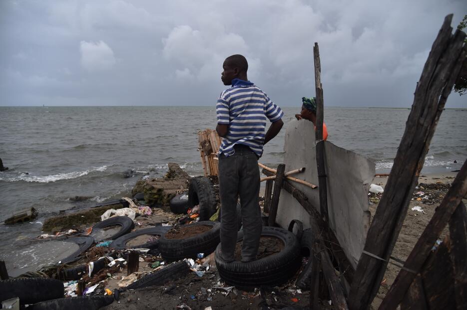 El jueves 7 de septiembre, huracán Irma atraviesa Haití mientras avanza...