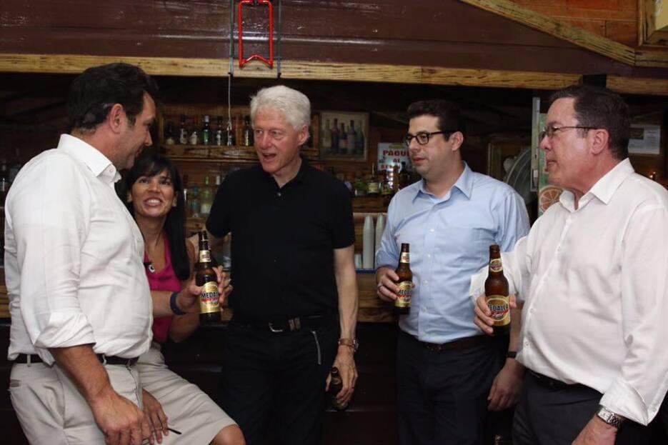 El expresidente de los Estados Unidos llegó a la Isla un día después del...