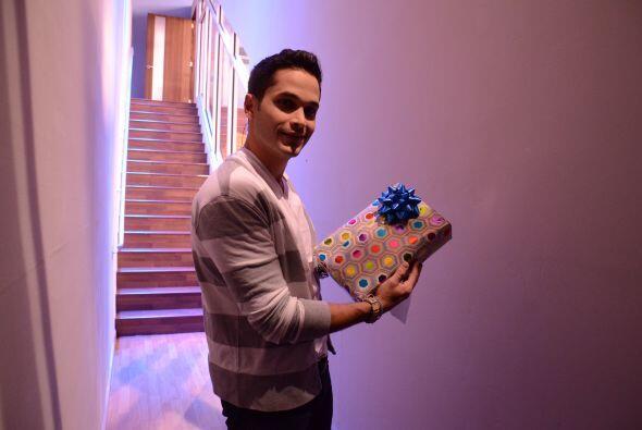 La Barbie no sabía que Mateo volvería para darle este lindo presente y d...