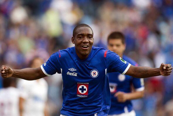 El colombiano Edixon Perea llegó al Cruz Azul en el 2011 pero su paso co...