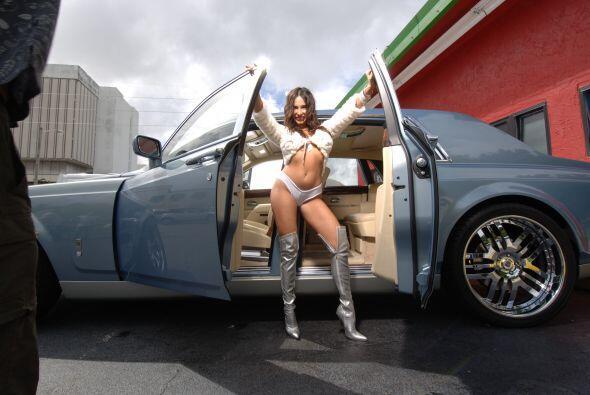 Mayra Verónica mostró que lo suyo es pura seducción. Junto a este lujoso...