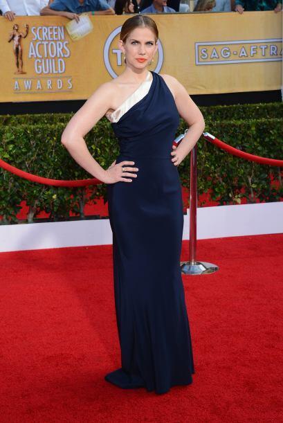 El vestido de Anna Chlumsky fue sencillo pero acertado. La actriz se dec...