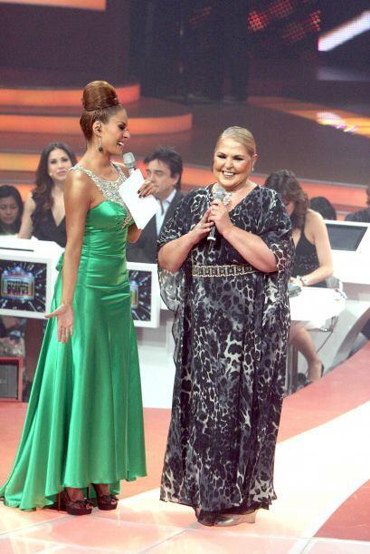 La cantante invitada de la noche fue Lupita D´Alessio quien quedó gratam...