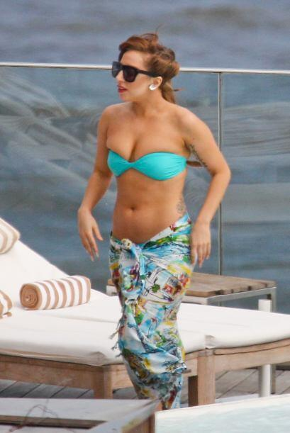 ¡Lady Gaga es una famosa que nos decepciona hasta cuando vacaciona! Vari...
