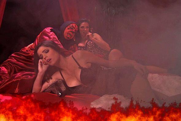 Cada noche el diablo prende fuego a las cachorras.