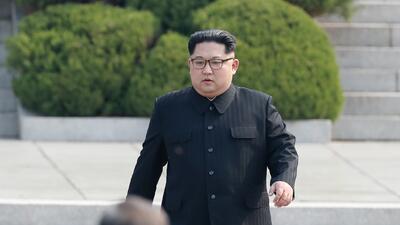 Apretón de manos, sonrisas e historia: las fotos del encuentro entre los líderes de las dos Coreas