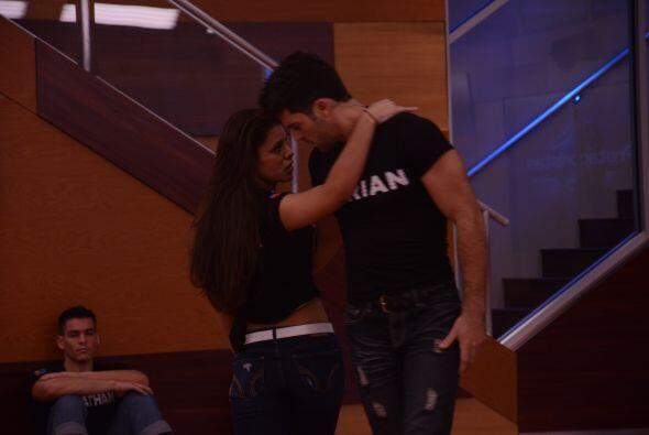 """Marlin y Adrián fueron pareja de baile. """"Necesito que se conecten"""", dijo..."""
