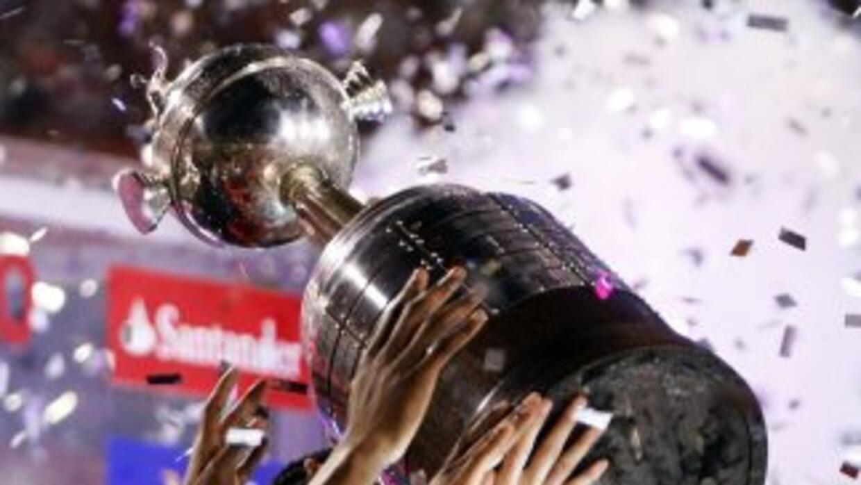 La Libertadores 2013 también tiene su buena vidriera futbolista y financ...