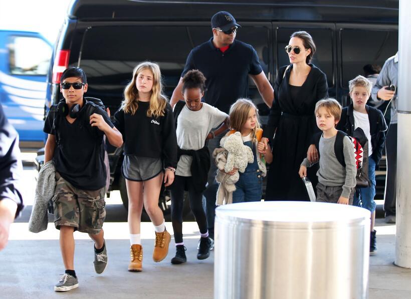 Angelina Jolie con hijos