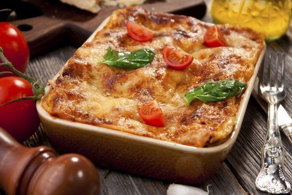 Prepara una deliciosa salsa de tomates horneados. El chef Jay Sullivan,...