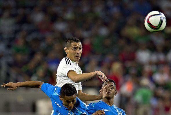 6     Anthony Lozano cumplió más con una labor de ensuciar el juego mexi...
