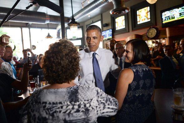 Luego se dirigió a su reunión entre pizza y cervezas, actu...