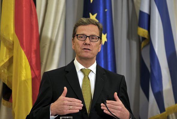 Por su parte, el ministro del Exterior alemán Guido Westerwelle dijo en...