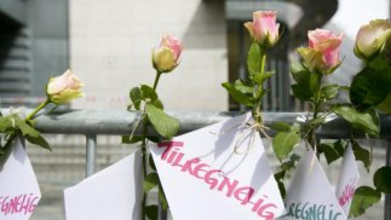 Noruega recuerda a las 77 víctimas mortales del doble atentado perpetrad...