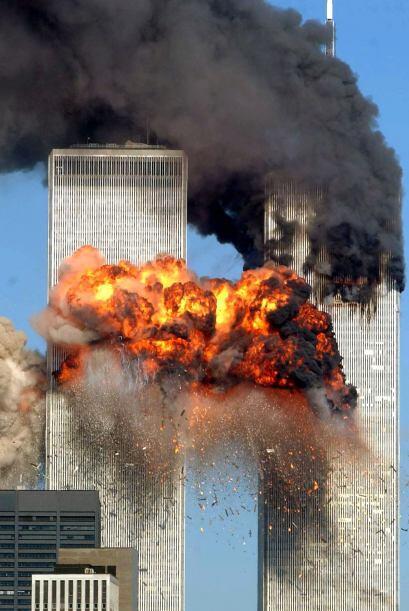 9:59 Cae la torre sur del World Trade Center.