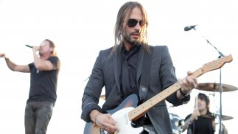 Sergio Vallín es uno de los mejores guitarristas latinos.