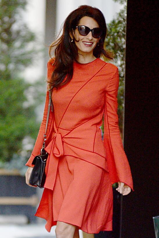 Amal Clooney es toda una reina fashionista.