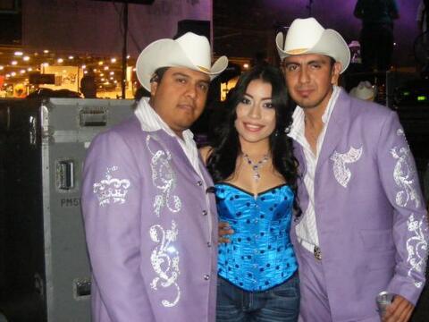 Los miembros de Trono de México son  bastante sencillos de trato....