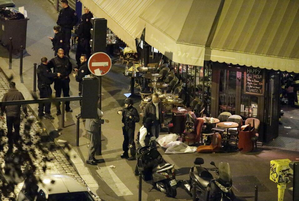 ISIS reivindica los atentados de París y amenaza a Francia con más ataqu...