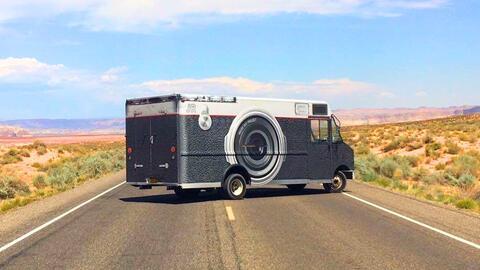 La cámara móvil que recorre el país en apoyo a los...
