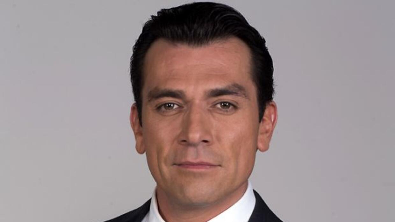 Jorge Salinas es Fernando Lascurain, un hombre al que le gusta el orden...