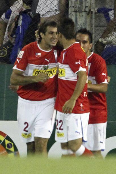 En tanto en otra caída argentina en la copa, Universidad Cat&oacu...