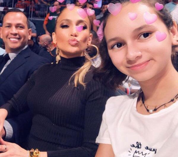 Jennifer López y las hijas de Alex Rodríguez