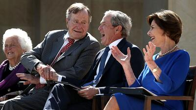 La familia Bush no habló de la campaña republicana hasta el día que Geor...