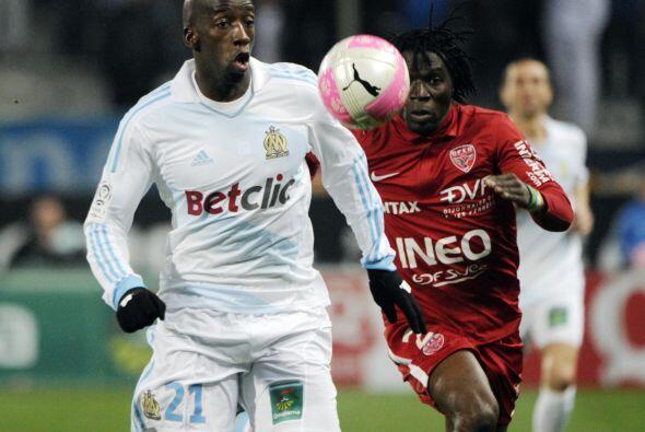 El Marsella tiene además bajas, la del senegalés lesionado Souleymane Di...