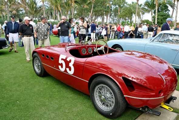 El Ferrari 250 MM Spyder Vignale participó en carreras de autos con un s...