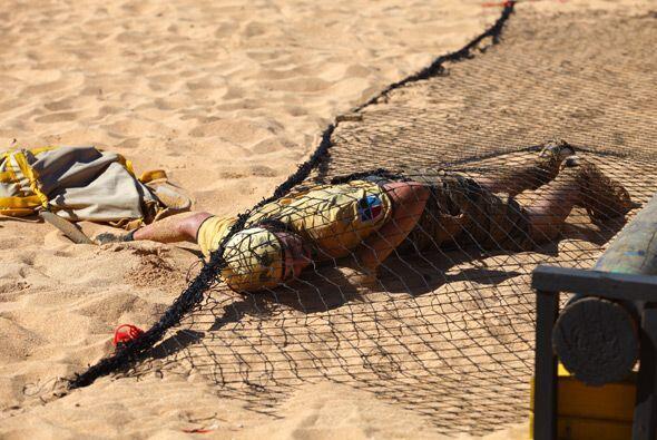 Pero en un giro inesperado, José quedó atrapado entre esta red y la aren...