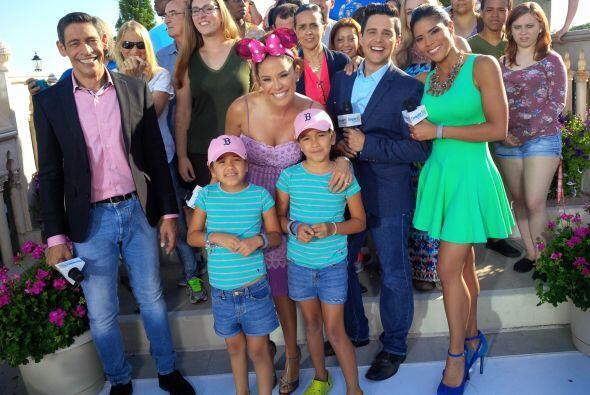 Las pequeñitas de Karla, Michaella y Antonella acompañando a mami en est...
