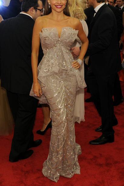 Sofia Vergara eligió, para variar, un vestido Marchesa en corte sirena....