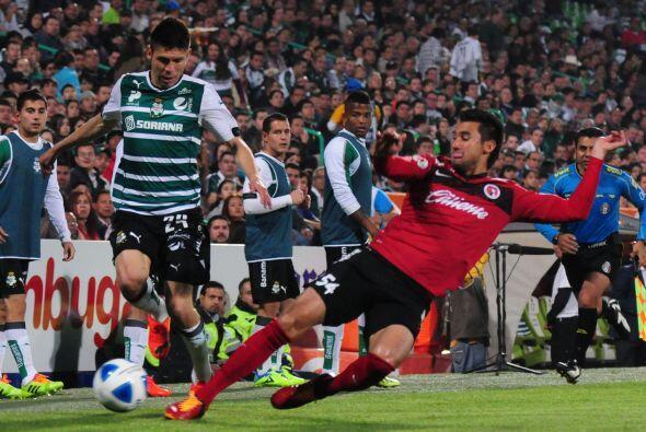 Jugó lso 90 minutos, no recibió ninguna tarjeta, tiró OCHO veces a gol,...