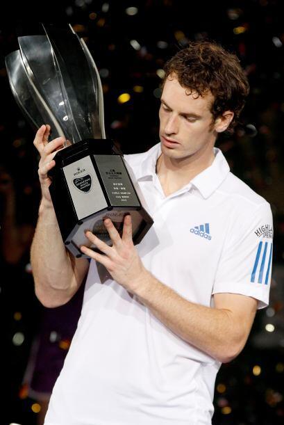 El británico Andy Murray se impuso con contundencia al suizo Roger Feder...