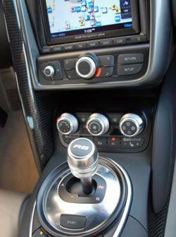 La caja de velocidades semiautomática hace los cambios precisos y muy rá...