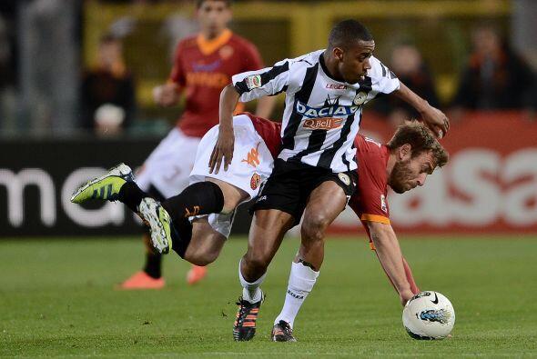 Más tarde, Gelson Fernandes puso el 1-1 para el Udinese.