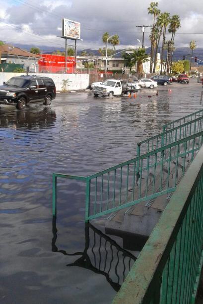 Las alertas de inundaciones comenzaron desde la madrugada del jueves y s...