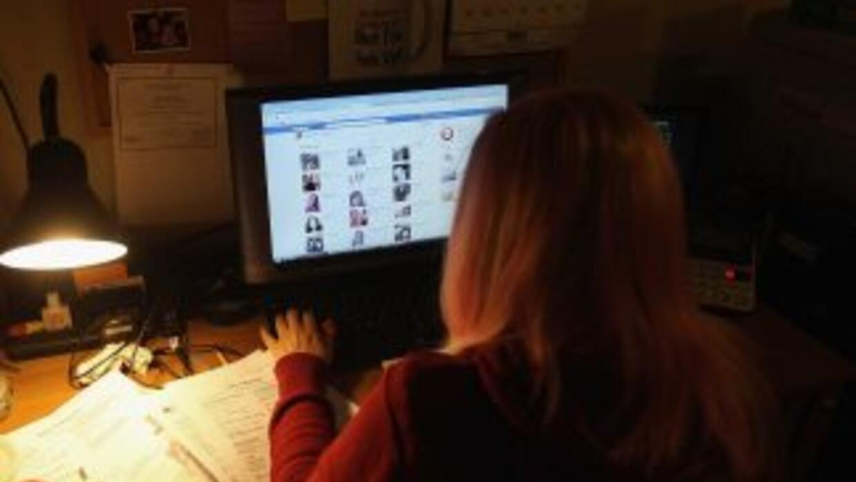 Una mujer se hizo 'amiga' en Facebook de la segunda esposa de su marido.
