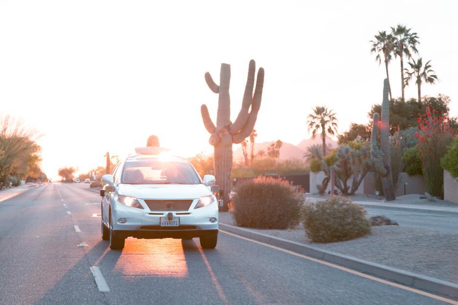 Vehículos de autoconducidos Google recorren calles de Phoenix