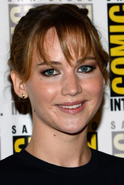 La guapísima y joven Jennifer Lawrence, de la misma edad, no se queda at...