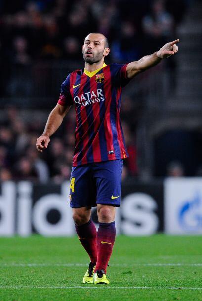 Javier Mascherano (6): Bien en la anticipación, una tarjeta en el minuto...