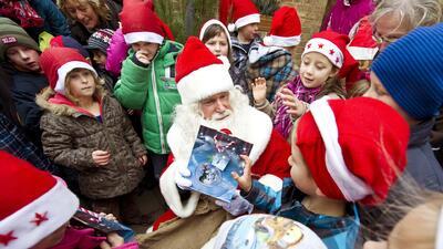 ¿Cuántos regalos de Navidad debe recibir mi hijo?