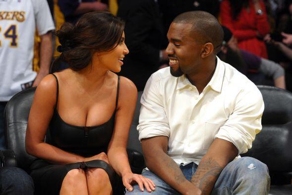 West y Kim son la pareja perfecta en este momento y él se ve muy feliz.