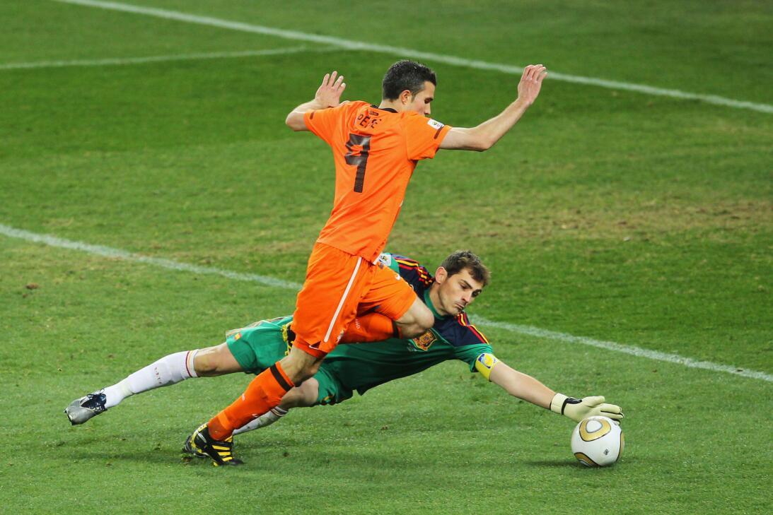 Así fue paso a paso el camino de promesa a leyenda de Iker Casillas Gett...