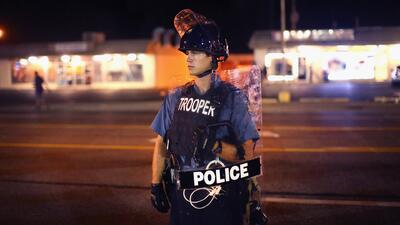 Dos expertos opinan sobre la práctica de policías que dispararan a matar...