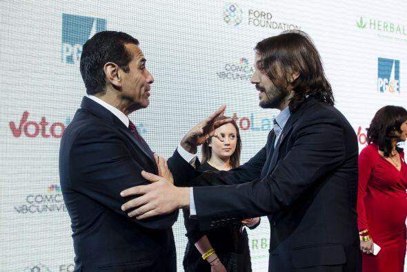 El político tuvo la oportunidad de platicar de cerca con Diego Luna, dir...